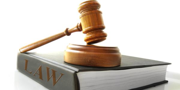 Top 7 Benefits of Choosing Law Career